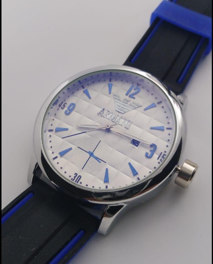 Reloj clon Armani blanco con negro y azul