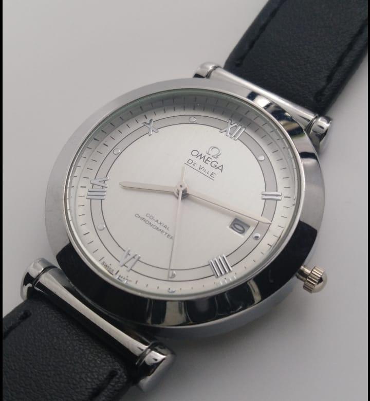 Reloj clon Omega negro