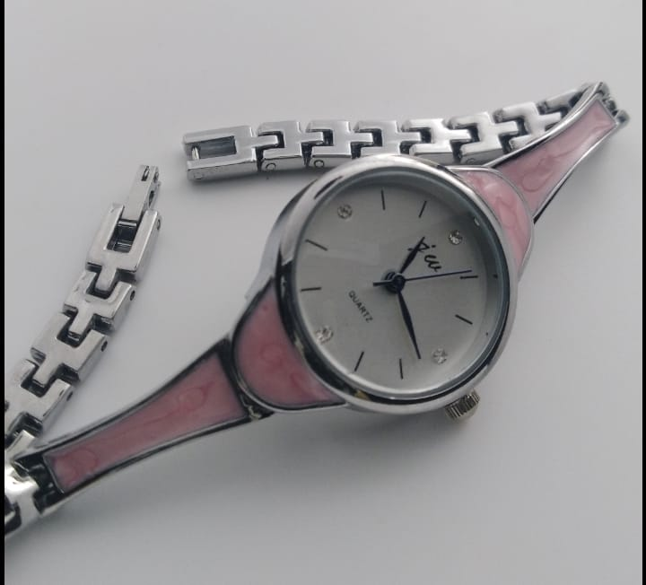 Reloj genérico rosa chico