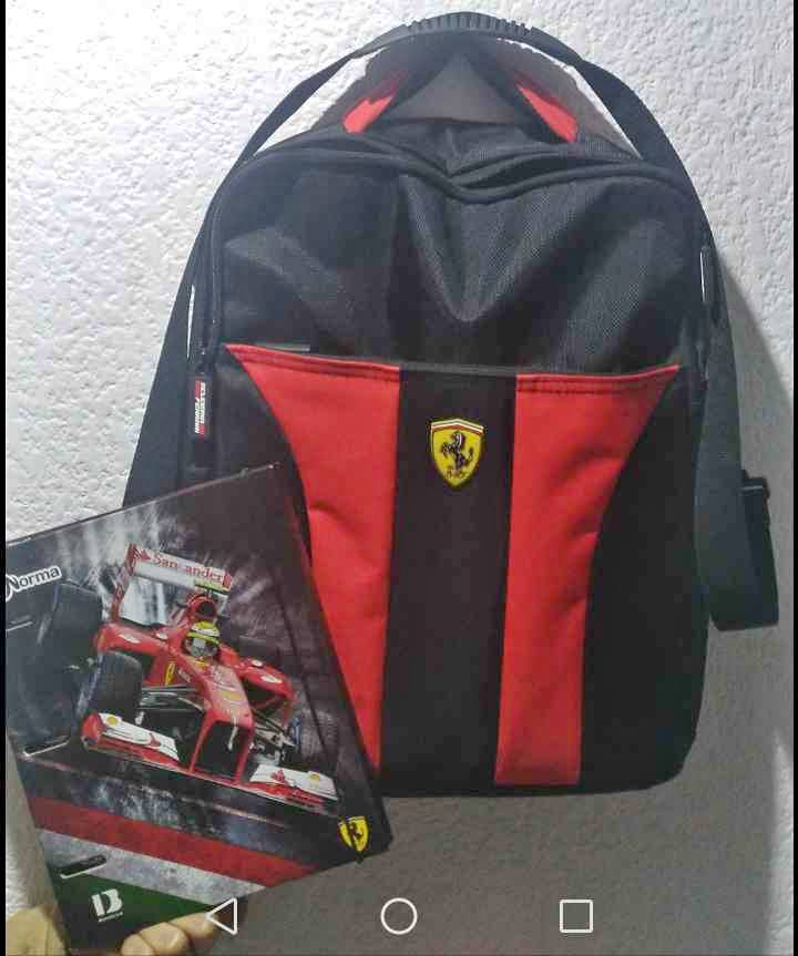 Maletín/Mochila Ferrari original